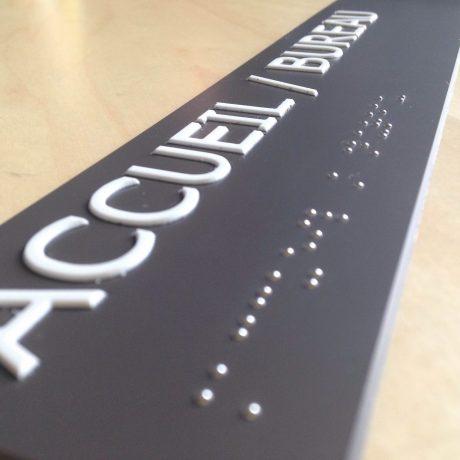 plaque-bureau-braille-et-relief